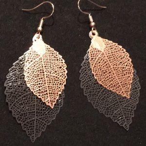Jewelry - Two-tone earrings
